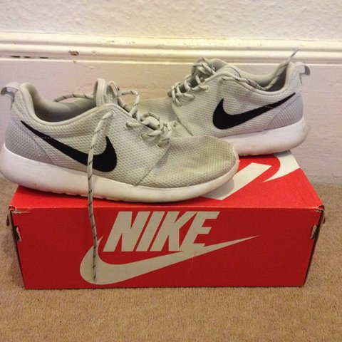 aaa5f21987a5 Cool Grey with black tick and white soul Nike Roshe runs    - Depop