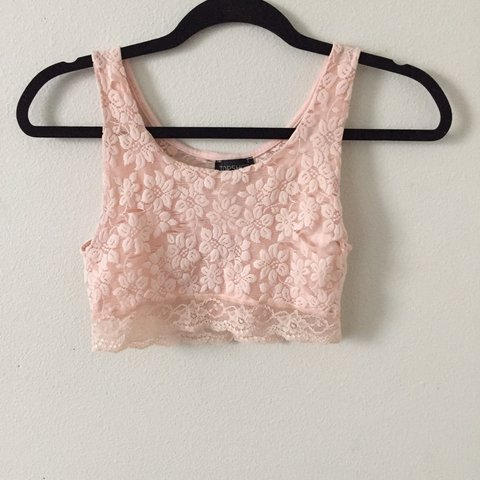 909325285aa2bc Topshop blush light pink lace crop top. Front is lined