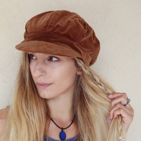 f4d63878b5a80  desertfoxcollective. 3 years ago. United Kingdom. Vintage brown velvet  baker boy hat.
