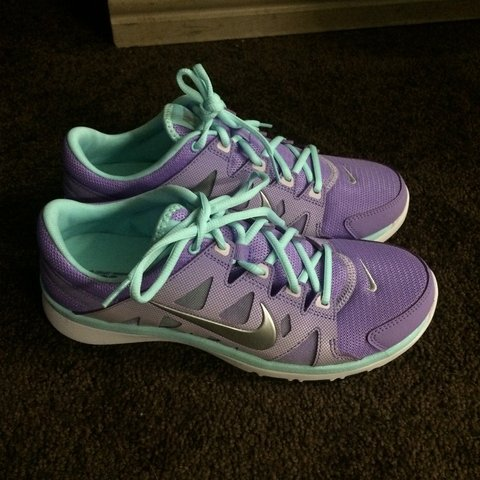 9cce4fe9dfc68 @jackiexoxo. 4 years ago. Los Angeles, CA, USA. New!!!!! Nike running shoes!  Super cute colors! Size 9 free shipping!!