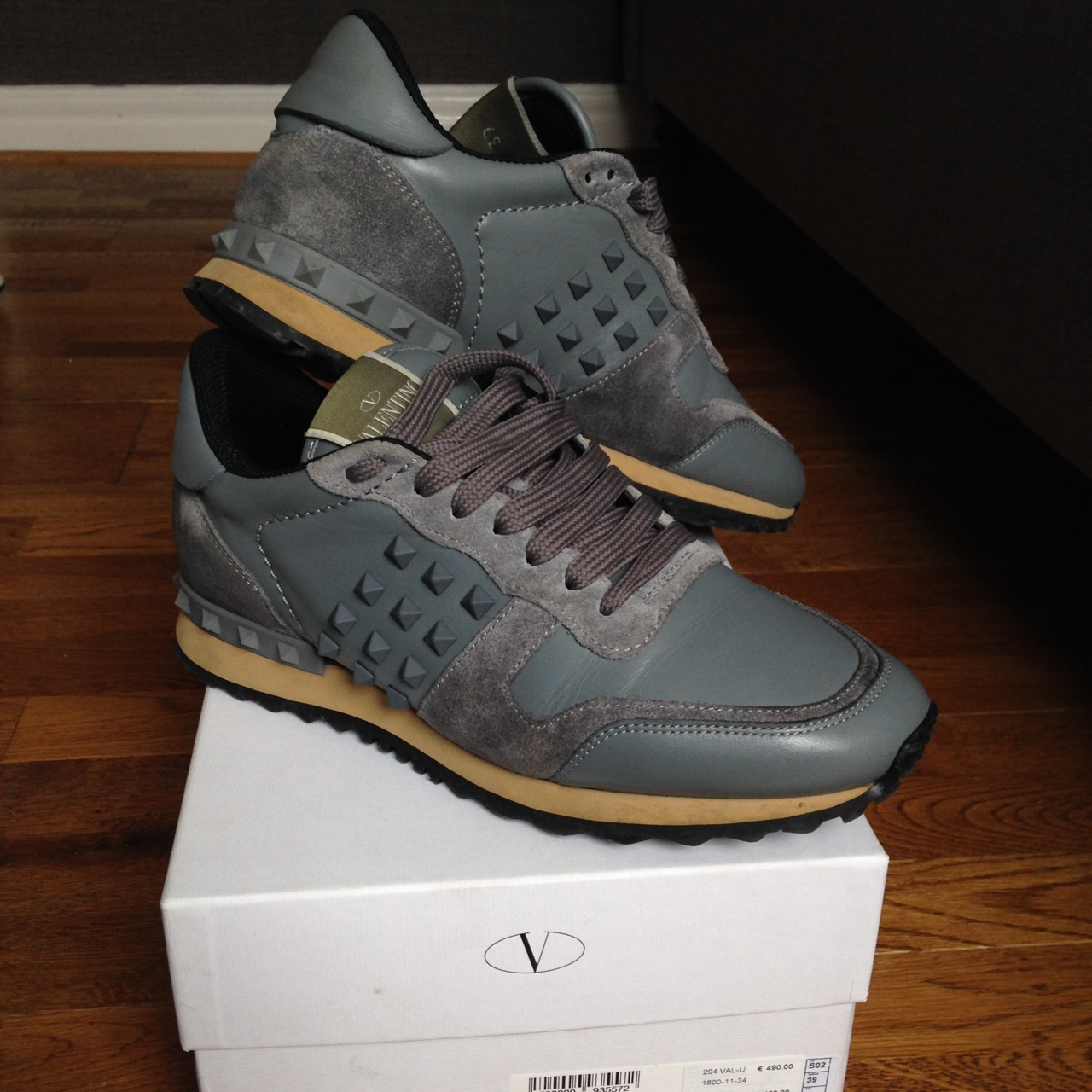 Mens valentino rock runners , size 39