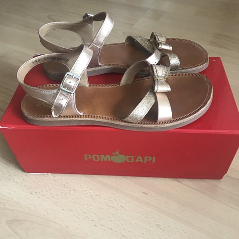 44fa9d4ce90e Pom d api Girls Rose gold and tan glitter sandals. UK 5 - Depop