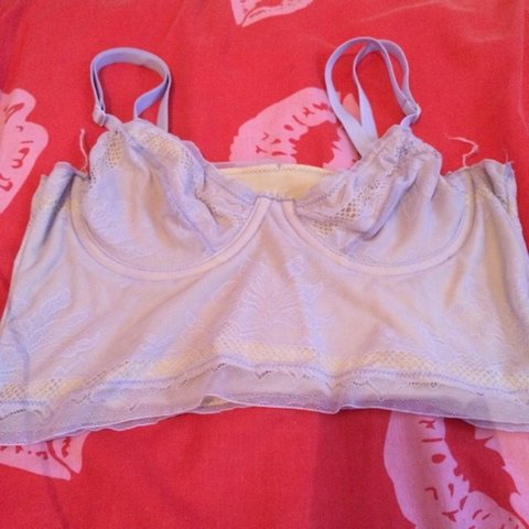 35d7eff50ef81 lilac bra   bralette size 8 or small super cute on stretchy - Depop