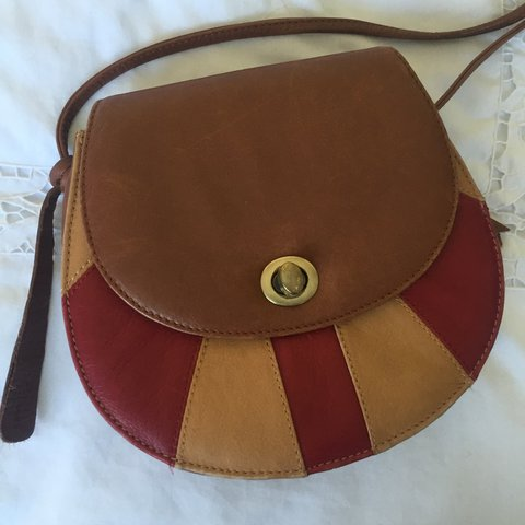 752e0f7fc5b @mazzab. 4 hours ago. United Kingdom. Pre-loved Clarks brown and burgundy  red leather bag ...