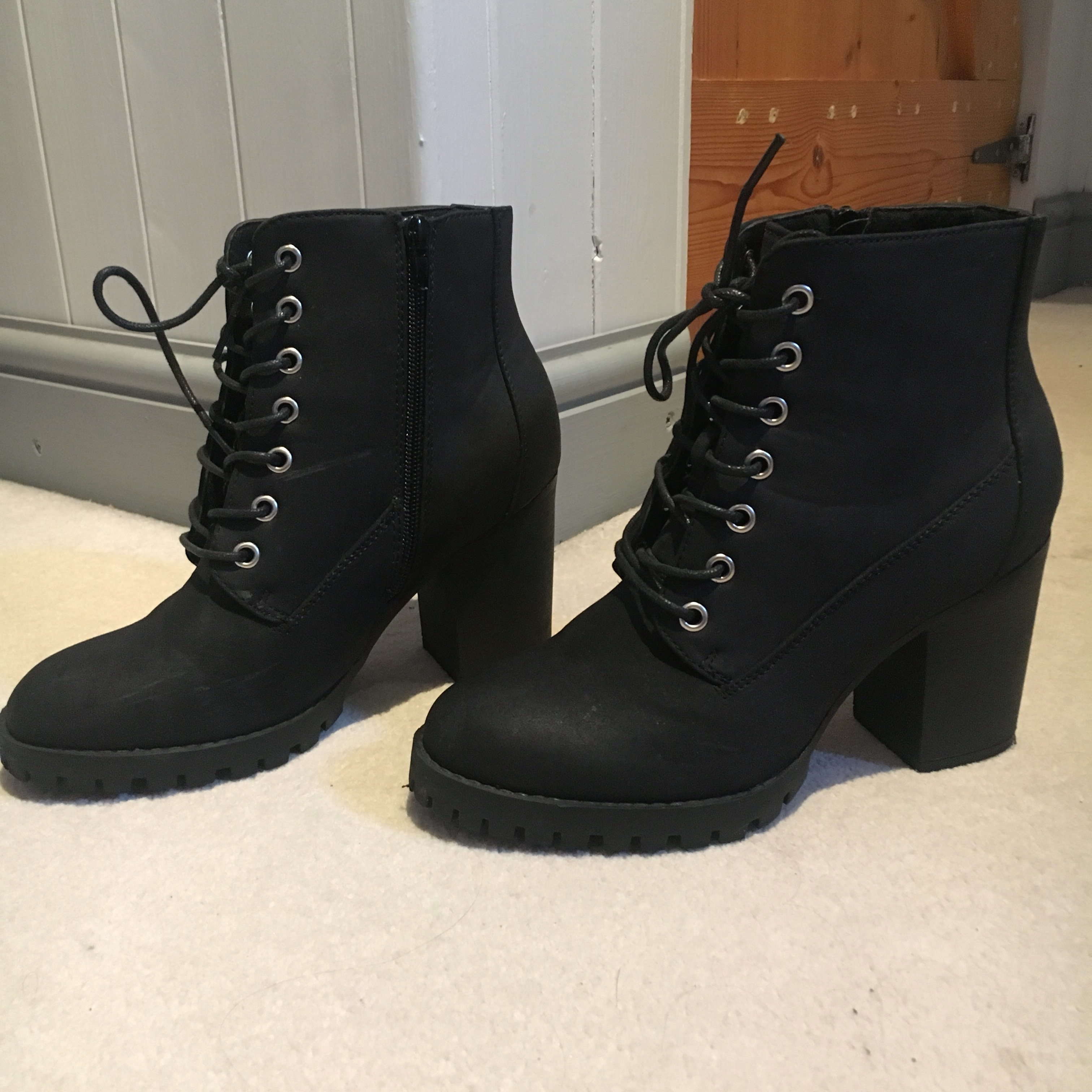 Black boots with small heel from new