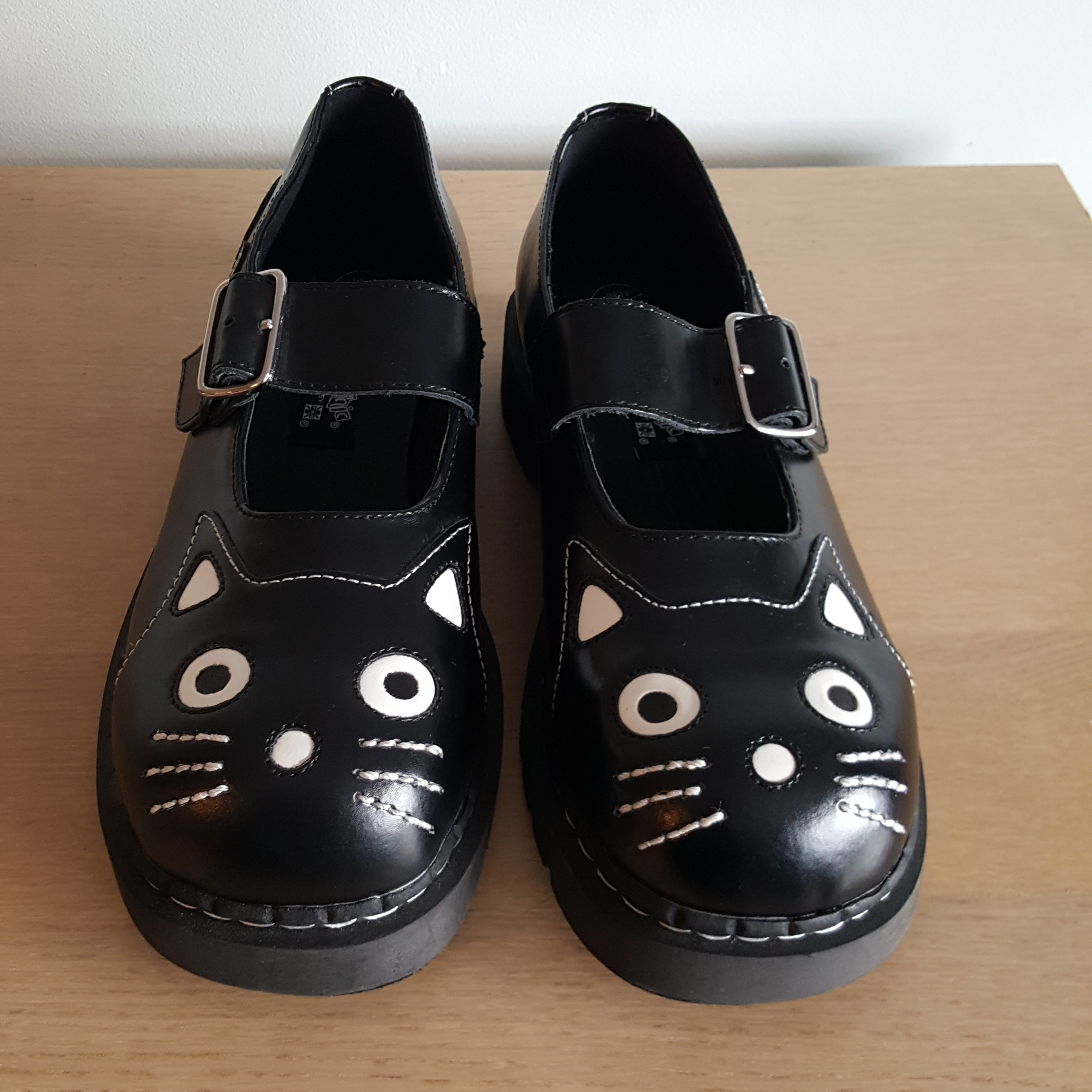 TUK Anarchic cat shoes with original