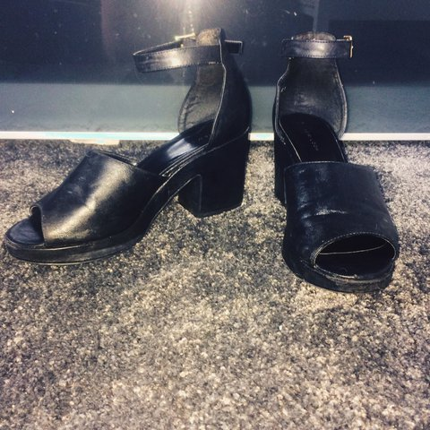 2f15d2a32d6 New look size 7 black chunky heeled shoes A little worn a - Depop