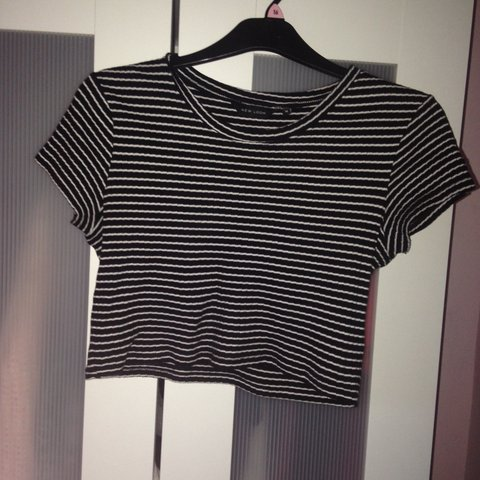 8cefe6f6887 Black and white cropped striped top from new look | very to - Depop