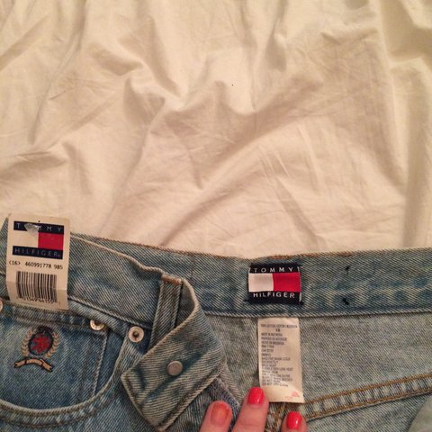 51e2da95 @ambersthetic. 2 years ago. Chesapeake, VA, USA. 🔴price reduced🔴NWT light  wash authentic tommy hilfiger mom jeans!