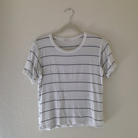 407162bf72 Brandy Melville and John Galt // cute and simple white tee i - Depop