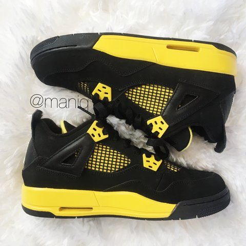 ad2037f0a9370d Air Jordan Thunder 4s. The 4s are in excellent condition no - Depop