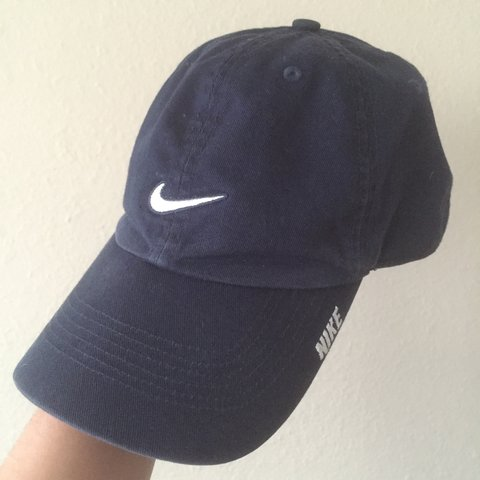 bc4e790d0245c Navy blue Nike baseball cap! Awesome condition