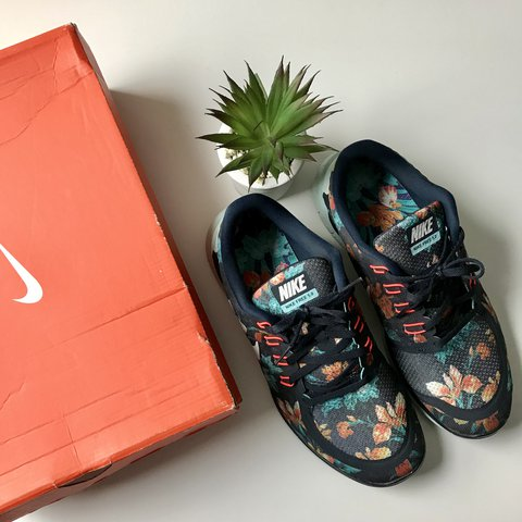 60923611f17966 Nike free 5.0 photosynthesis running shoes! Floral print is - Depop