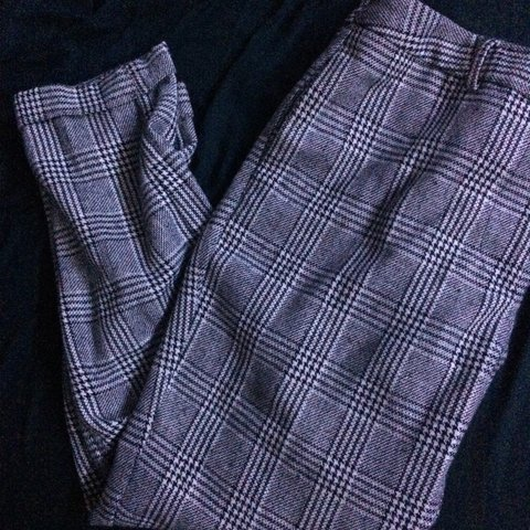 91459e1435 black and white gingham pant. worn gently