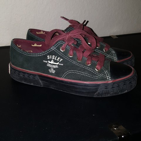 1f4a9647c4 Vintage green and red Sisley Converse style shoe