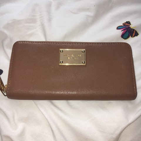 08331e734bca @laurensarah94. 3 years ago. Cove Bay, Aberdeen City, UK. Genuine Michael  Kors tan leather purse. Excellent condition.