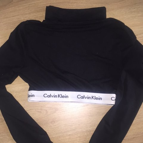 3900ecc59fc @julia0143. 3 years ago. Redditch, UK. Reworked Calvin Klein Cropped top / Long  sleeved ...