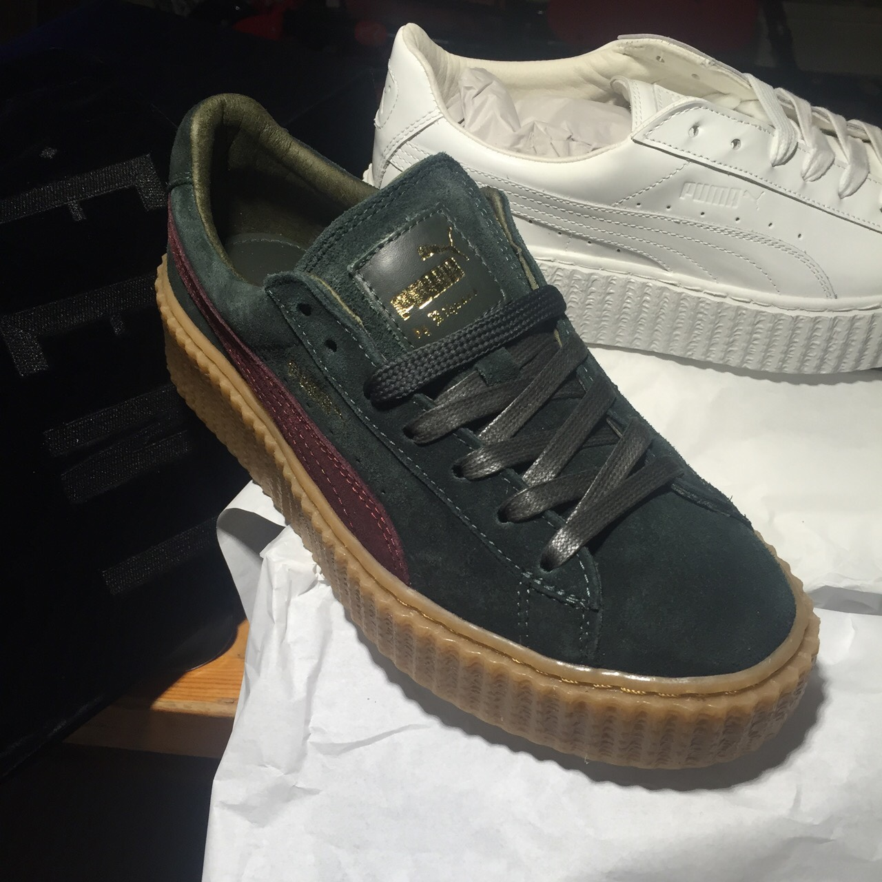 detailed look 5f9cd d99d9 PUMA x Rihanna FENTY Suede Creepers, Green and Red ...