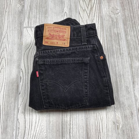 Levi S 551 Black Relaxed Fit Tapered Leg Mom Jeans Tagged A Depop