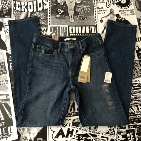 cc7db567 NWT 312 Shaping Slim dark wash denim Levi's - in perfect W L - Depop