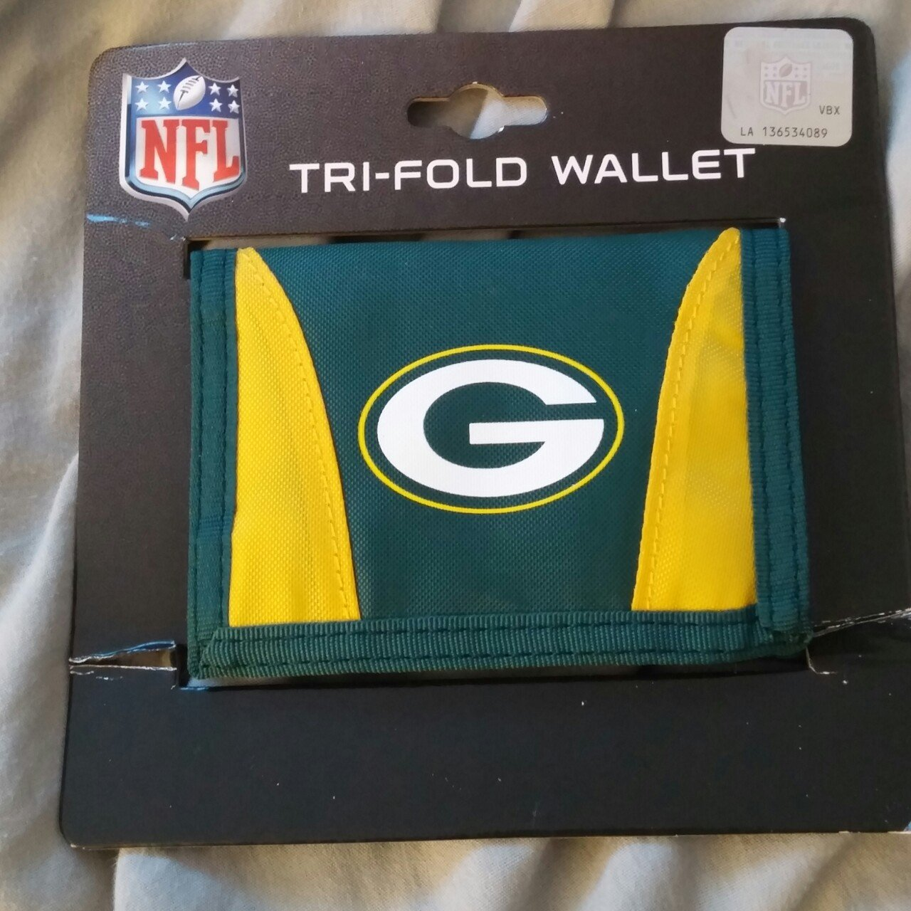 New Green Bay Packers trifold wallet.  greenbaypackers - Depop 5e8474287877
