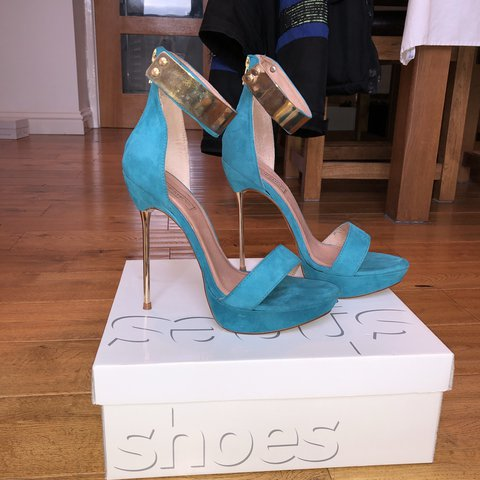 4d7f09691dd3 Blue and gold heels from top shop NEVER BEEN WORN Amazing - Depop