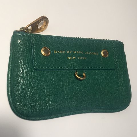 fcd3d791f025a @ninagregg. 5 months ago. Providence, United States. Marc by Marc Jacobs  green change purse wallet