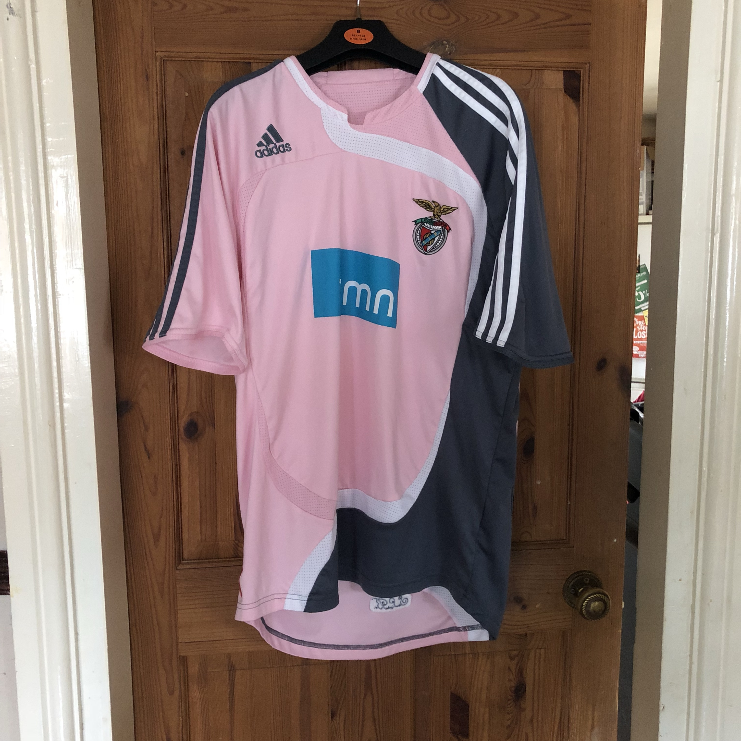 size 40 80aa7 be3ff Benfica Away 2007/08 Pink Football Shirt Medium... - Depop