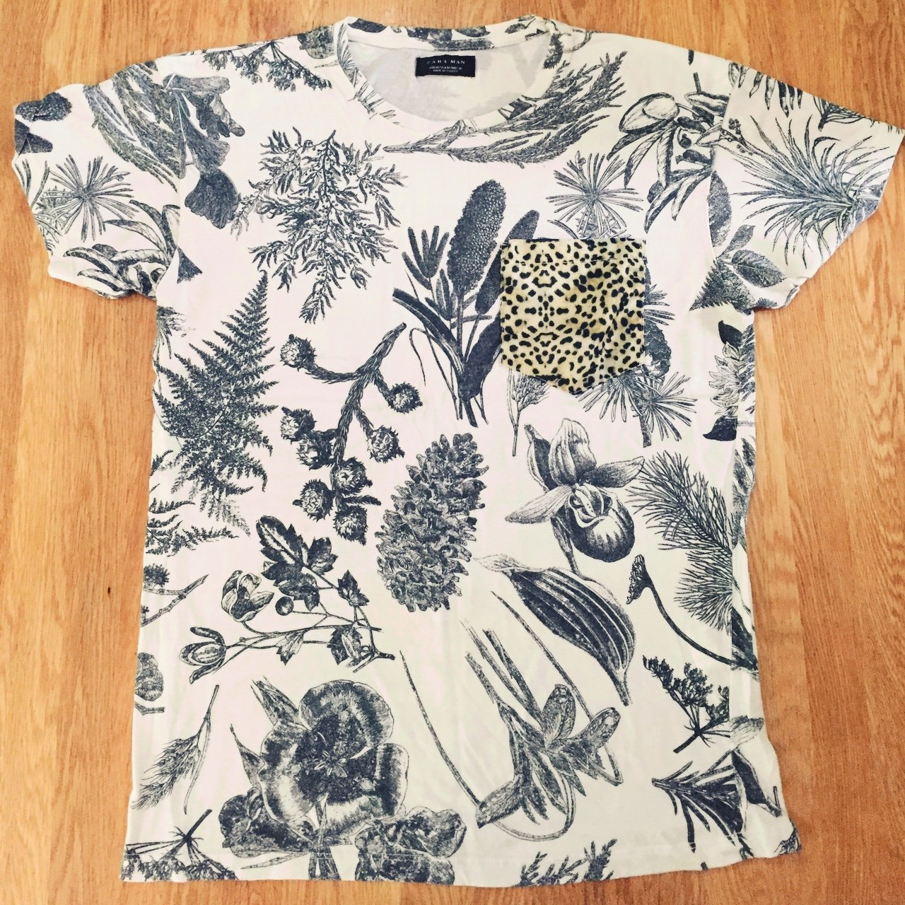 f8ac0094da051 Men s green white floral Zara tee with leopard-print pocket - Depop