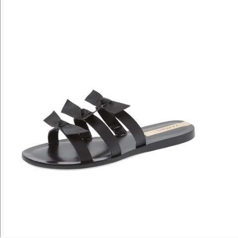 e0e3f8b13 Like new Kaanas bow sandals! Great condition