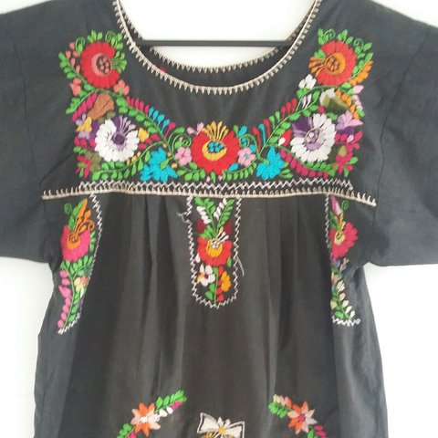 b0c6f86489 vintage hand embroidered Mexican dress in black and amazing - Depop