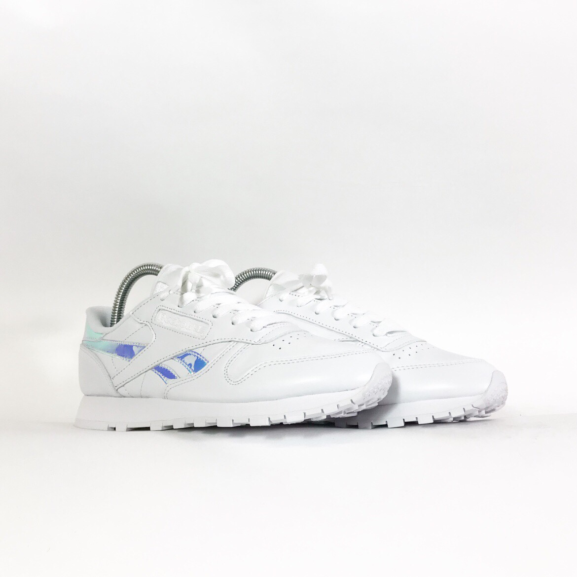 Reebok Classic Leather Iridescent Helt ny med Depop  Brand new with Depop
