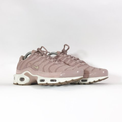 sports shoes 9dca2 0413e  hookedbhm. 11 months ago. United Kingdom. Nike Air Max Plus TN Particle  Pink ...