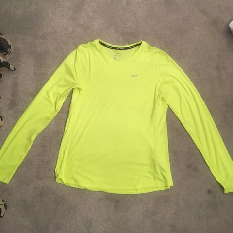 063e6d00 @lucywinter. last year. Solihull, United Kingdom. Men's Nike long sleeve  running thermal / top.