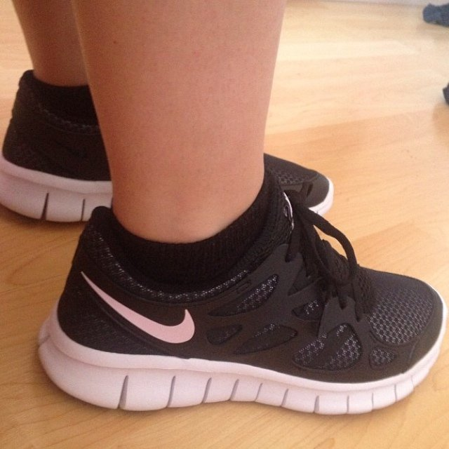 65510c8aa27 NIKE FREE RUN 2   SIZE 7   GREAT CONDITION 8 10   SELLING - Depop