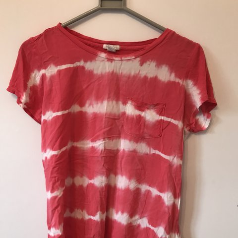 36bc0d422 @sacarr98. last year. Leicester, United Kingdom. Forever 21 crimson tie-dye  t-shirt, size ...