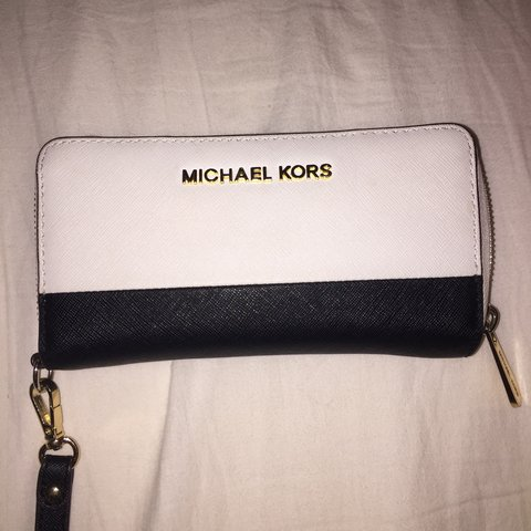 c1309426d79a @stephaniedemx. 3 years ago. Barnet, Greater London, UK. Genuine Michael  Kors purse from Fenwick for sale.