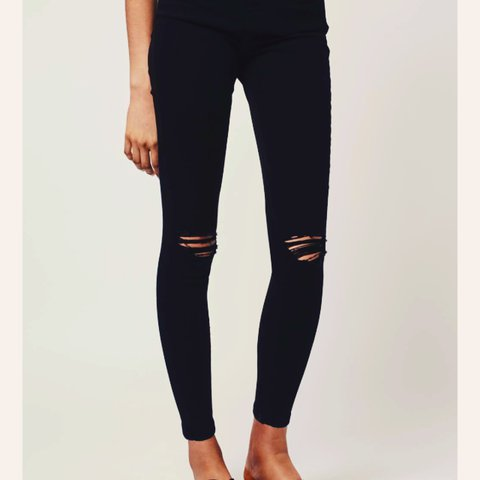 cfd59f10197 @janine_d. 2 years ago. Mansfield, United Kingdom. Topshop MOTO black  ripped jeans W28 L34 fits size 8-10 ...