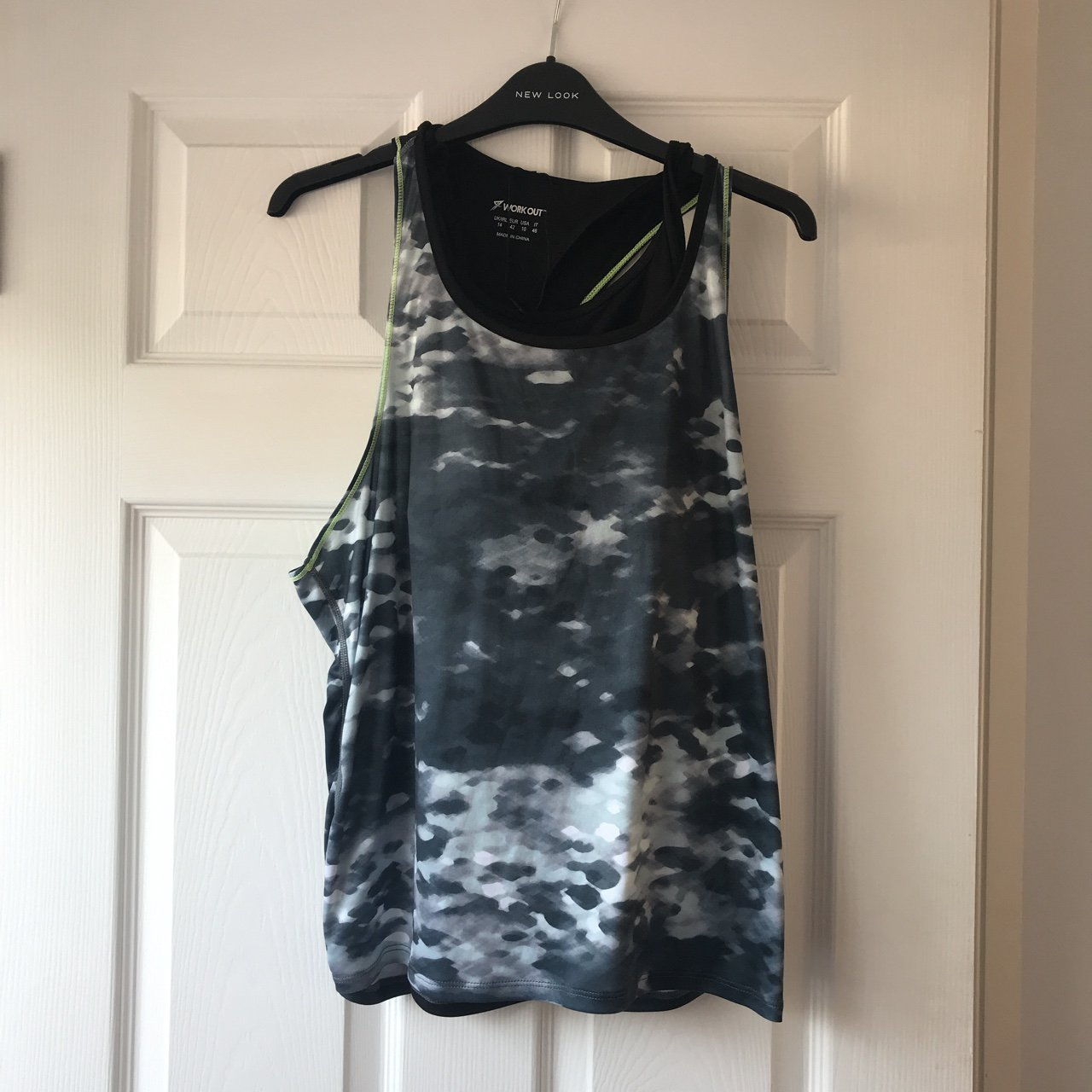 cb63105be7a81 Grey and green gym top brought from primark never worn has - Depop