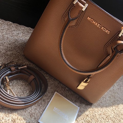 366bc518c17d04 BRAND NEW MICHAEL KORS BAG! Beautiful tan leather with and - Depop