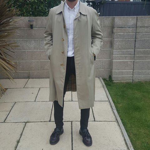 a72e57dca @joecott93. 3 years ago. Gosport, United Kingdom. Mens burberry trench coat,  in great condition ...