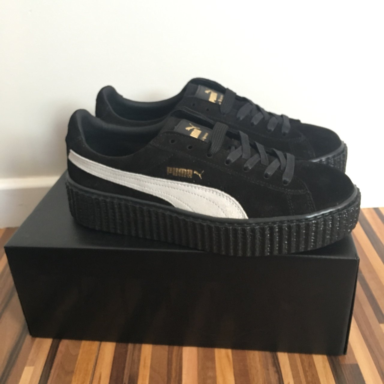 2dc9b48933ef Size 6 bought from offspring. Brand new in box with velvet - Depop