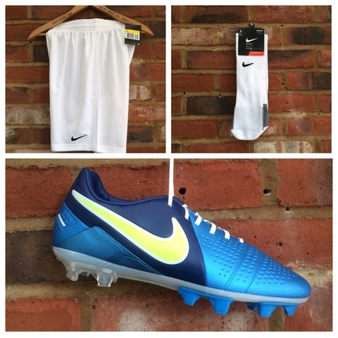 08d78a107 NIKE BUNDLE PACK   Nike Park 3 football socks (UK 8-11)   ( - Depop