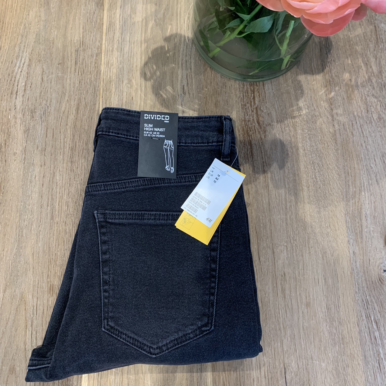 H&M High waisted jeans Size 14 Brand new with Depop