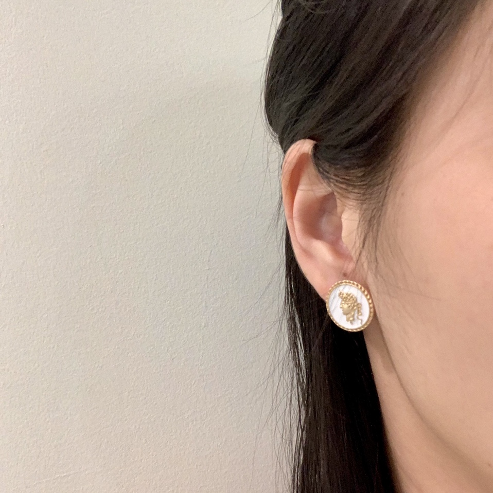 Head coin pattern design vintage studs earrings- black available