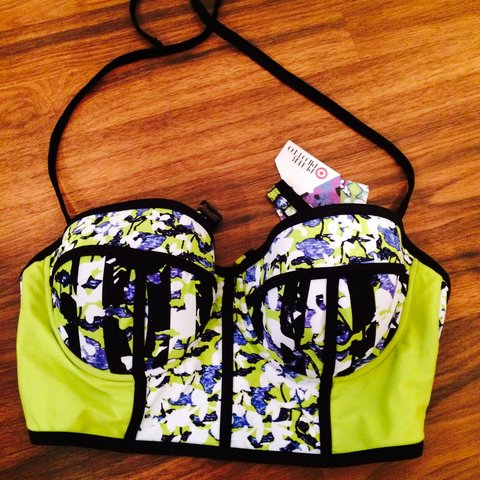 b688aff5450 @giles666. 4 years ago. Los Angeles, CA, USA. Brand new with tags Peter  Pilotto for Target bustier bikini top.