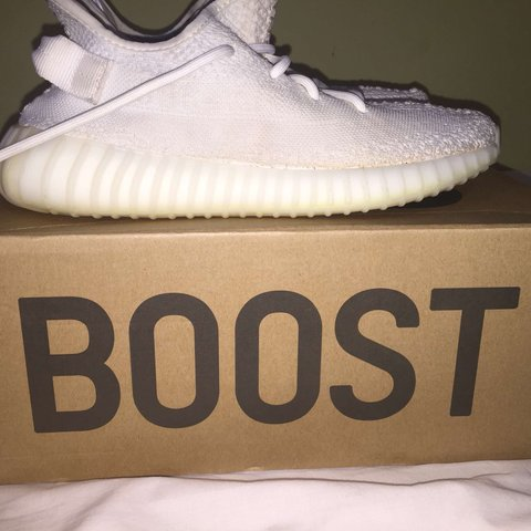9f7c7c47c Adidas Yeezy Boost 350v2 cream (white) 100% Authentic Size a - Depop