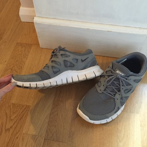 99c211a0945 Nike free run 2 trainers size UK 9 - worn for 4 or 5 runs to - Depop