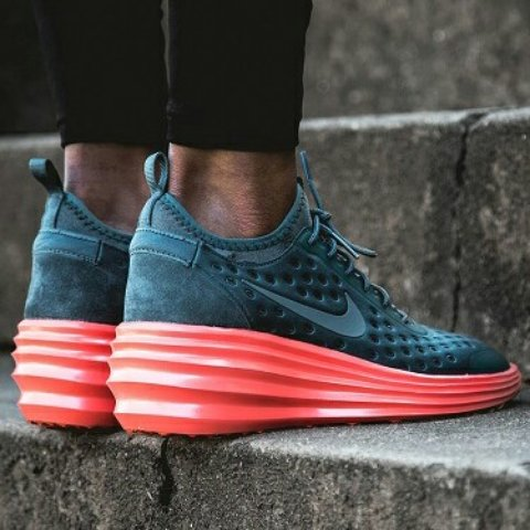 huge selection of 0ad72 a908a  mellymorello. 4 years ago. Rotterdam, Netherlands. Womens Nike LunarElite  Sky Hi ...