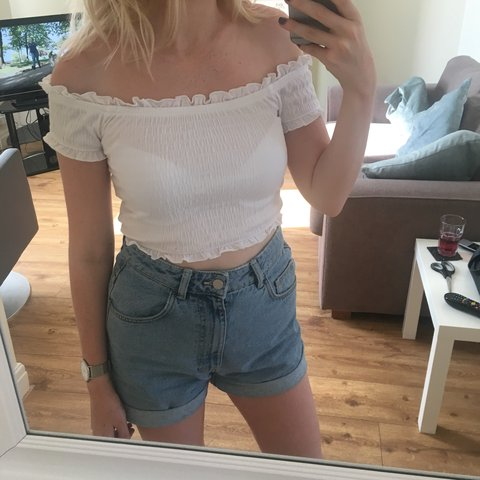 4d45cdaf3f0 @xbethroberts. 4 months ago. Manchester, United Kingdom. Frill cotton white  off the shoulder / Bardot crop top ...